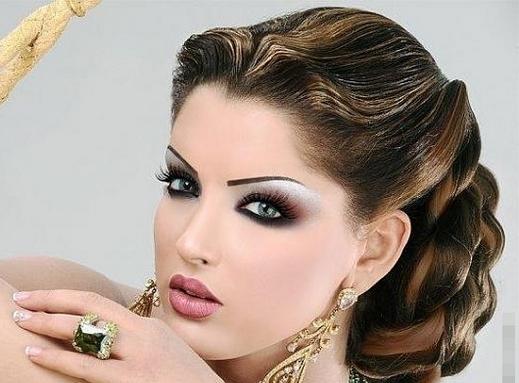Glamorous-Smokey-EyesBlack-and-dark-brown-makeup-tips