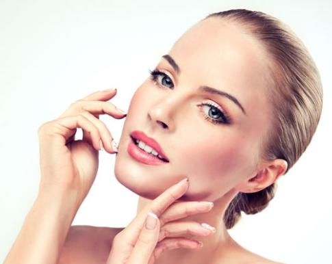 Come avere una pelle perfetta e luminosa? Ecco alcuni semplici consigli