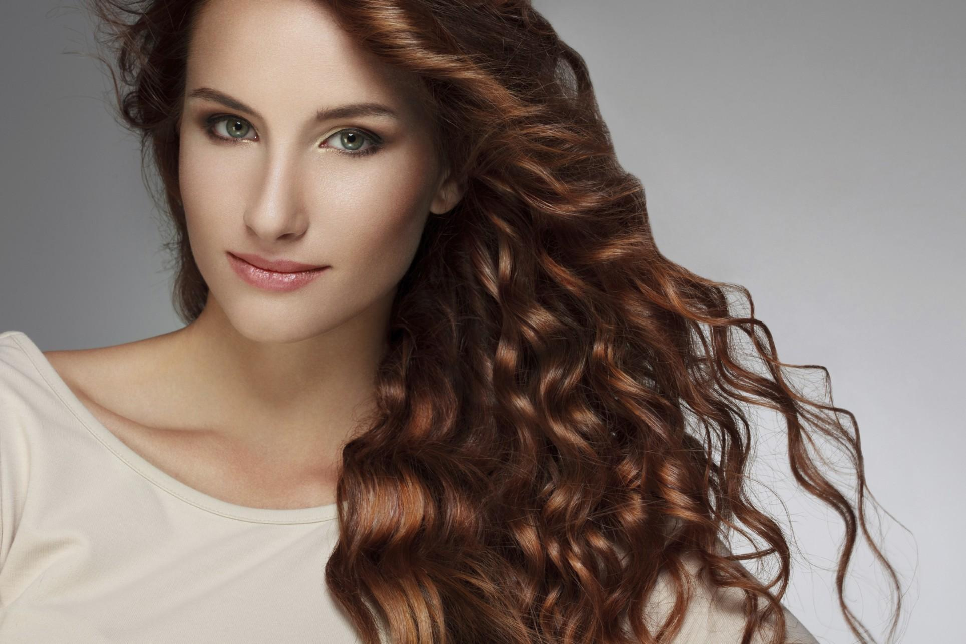 come-arricciare-i-capelli-in-modo-naturale_5a4f7d2c75b37b88e12ffed9251f1695