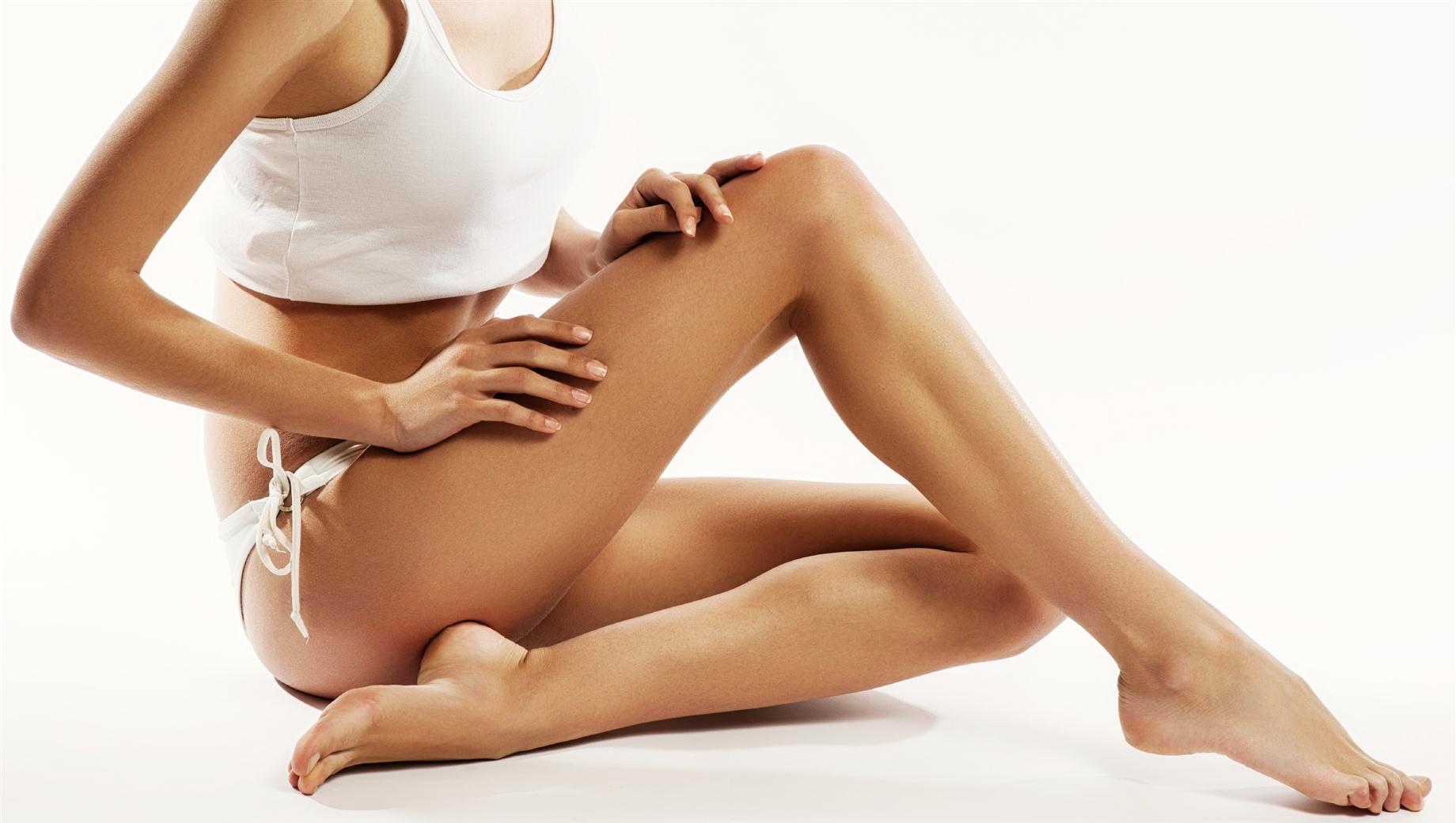 Impara a spalmare la crema con un auto-massaggio drenante
