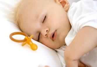 remedios-naturais-para-o-bebe-com-gases-dormir